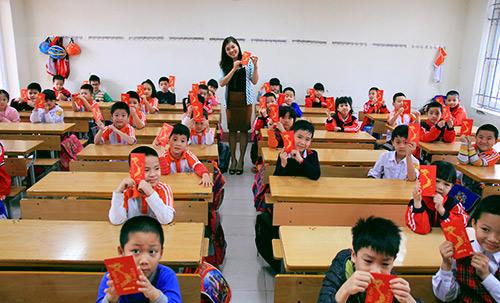Trẻ nhỏ mệt mỏi đi học sau kỳ nghỉ Tết-12