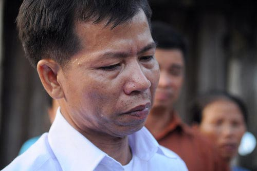 """ong chan bi """"an oan"""" khong phai nuoi duong con nan nhan - 1"""