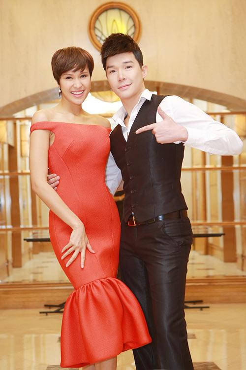 """nathan lee cong khai goi phuong mai la """"vo"""" - 1"""