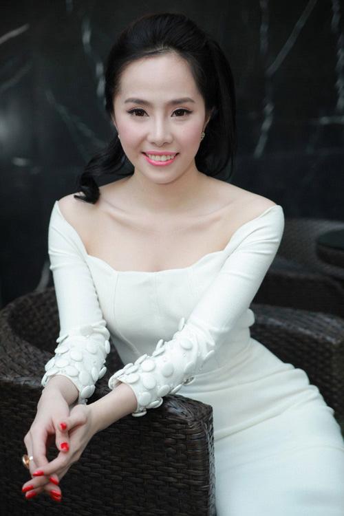 Những mỹ nhân Việt có làn da mướt mắt đáng ghen tỵ-7