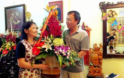 cong dong mang phat sot vi bai tho tang vo 8/3 - 1