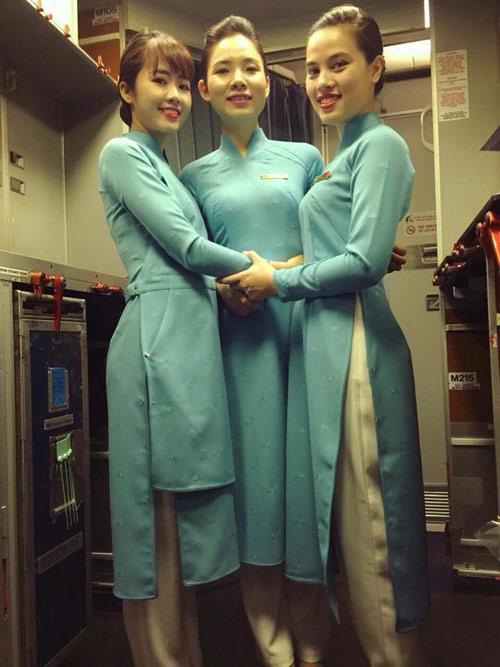 tiep vien vietnam airlines thich thu dien dong phuc moi - 3