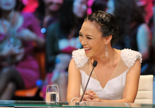 """Điểm danh những """"nữ hoàng ghế nóng"""" của showbiz Việt-1"""