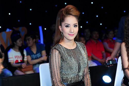 """Điểm danh những """"nữ hoàng ghế nóng"""" của showbiz Việt-10"""