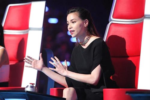 """Điểm danh những """"nữ hoàng ghế nóng"""" của showbiz Việt-7"""