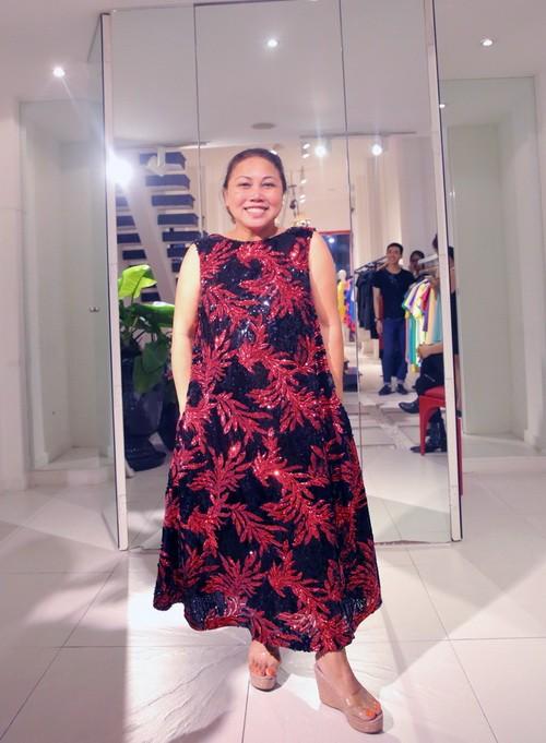 Vắng khách mời, Siu Black vẫn tươi rói đi thử váy-11
