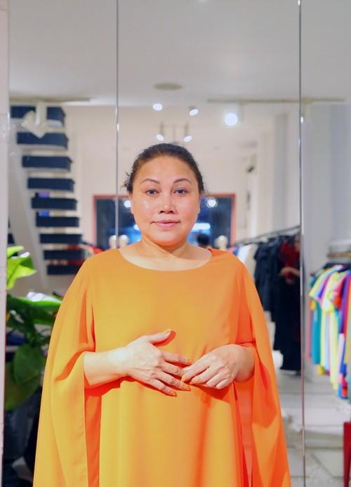 Vắng khách mời, Siu Black vẫn tươi rói đi thử váy-9