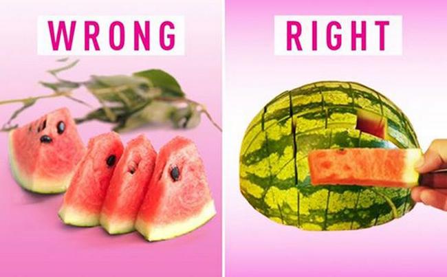 Một cách dễ dàng để cắt một quả dưa hấu thành nhiều phần nhanh nhấtvà chia sẻ với nhiều người.