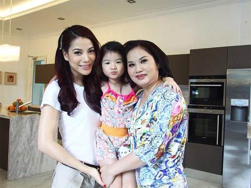 diem huong hanh phuc duoc chong dua di choi ngay 8/3 - 5