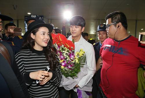 "kang tae oh cua tuoi thanh xuan bi ""bao vay"" tai hn - 5"