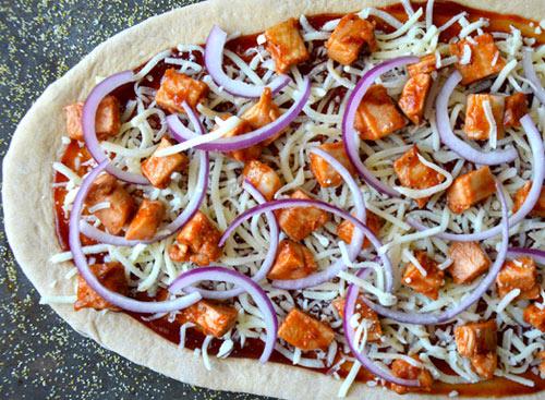 thuong thuc pizza ga bbq nong hoi - 2