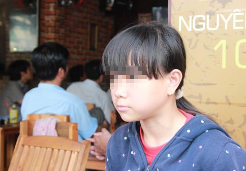 nu sinh bi danh hoi dong da len tphcm - 1