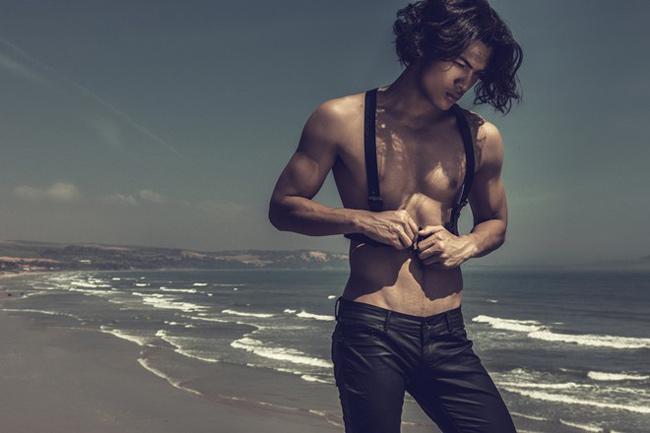 Vũ Tuấn Việt là Á quân Vietnam's Nextop Model 2013, theo học diễn xuất nhưng lại bén duyên với nghề mẫu