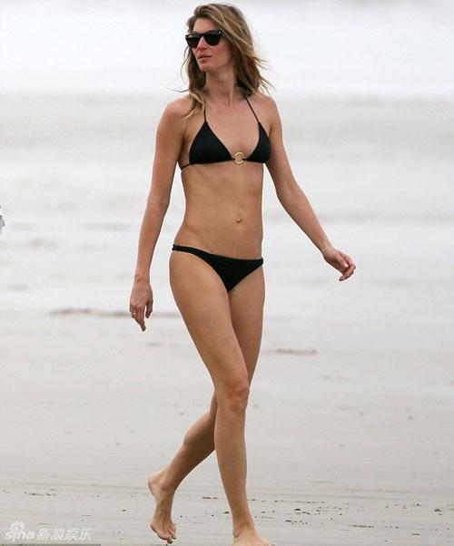 sieu mau giau nhat the gioi khoe dang voi bikini - 2