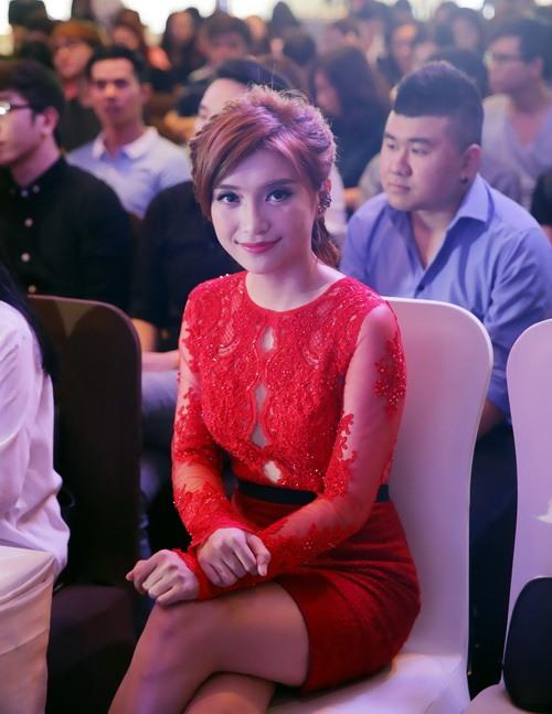 """phuong uyen: """"toi dang o chung cu gia re, tra gop"""" - 5"""