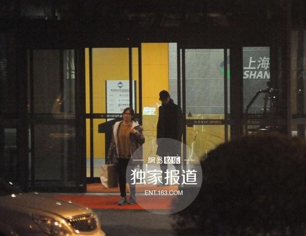 """Huỳnh Hiểu Minh """"qua đêm"""" cùng bạn gái sau scandal-1"""