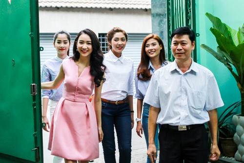 HH Thu Thảo, Hà Thu đến thăm nghệ sĩ Kim Cương-2