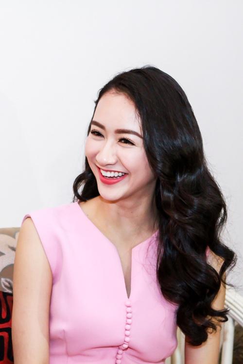 HH Thu Thảo, Hà Thu đến thăm nghệ sĩ Kim Cương-4