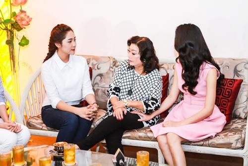 HH Thu Thảo, Hà Thu đến thăm nghệ sĩ Kim Cương-7