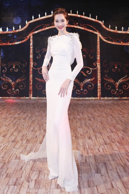 Hoa hậu Thu Thảo khiến Top 9 Project Runway ngẩn ngơ-2