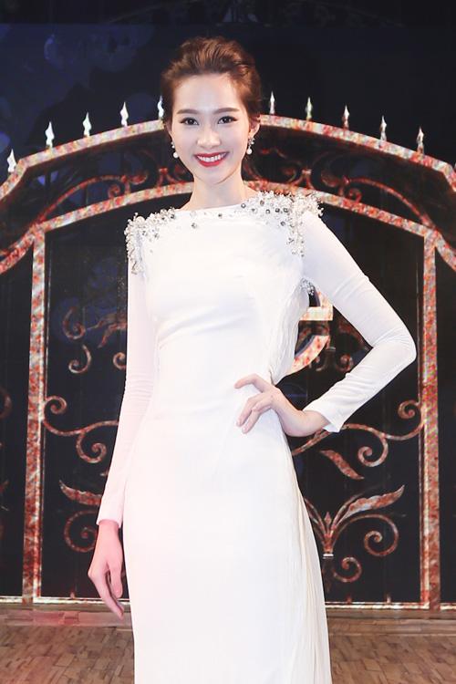 Hoa hậu Thu Thảo khiến Top 9 Project Runway ngẩn ngơ-1