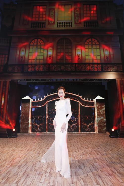 Hoa hậu Thu Thảo khiến Top 9 Project Runway ngẩn ngơ-3