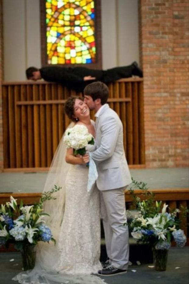 """Loạt ảnh cưới khiến """"Thượng đế cũng phải cười"""" (P4)-12"""