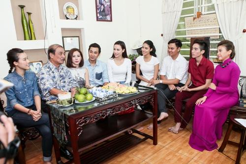 Lan Khuê, Thu Hoài, Nguyên Khang đến thăm nhạc sĩ Trần Hiếu-8