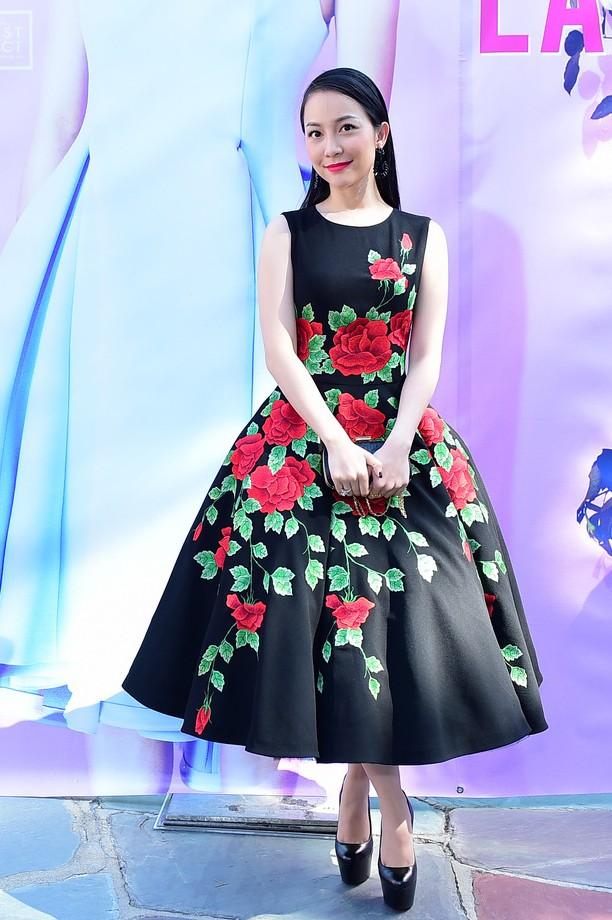 """Mặc váy xòe phồng không bị """"nuốt dáng"""" như Linh Nga-1"""