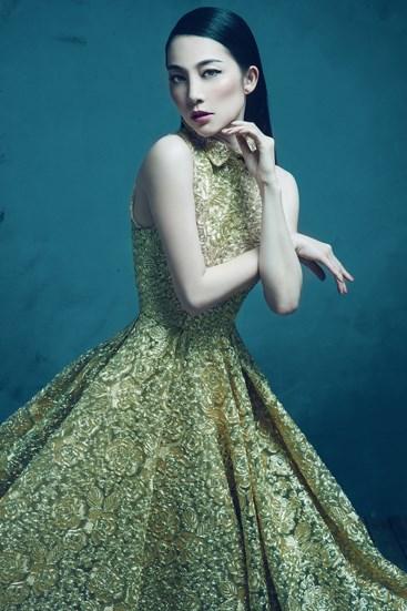 """Mặc váy xòe phồng không bị """"nuốt dáng"""" như Linh Nga-9"""