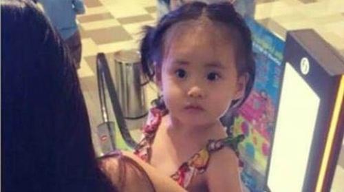 Con gái Thủy Tiên diện váy hồng đáng yêu ngày sinh nhật-12
