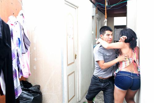 Bộ ảnh xót xa về cuộc đời bi kịch của phụ nữ chuyển giới-18