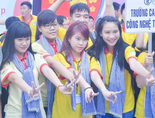 TP.HCM: Sôi nổi chiến dịch Xuân tình nguyện 2016-8