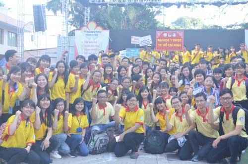 TP.HCM: Sôi nổi chiến dịch Xuân tình nguyện 2016-10