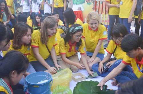 TP.HCM: Sôi nổi chiến dịch Xuân tình nguyện 2016-18