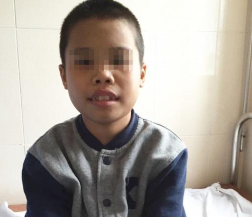 Cứu sống bé trai 10 năm vật lộn với chứng thận hư-1