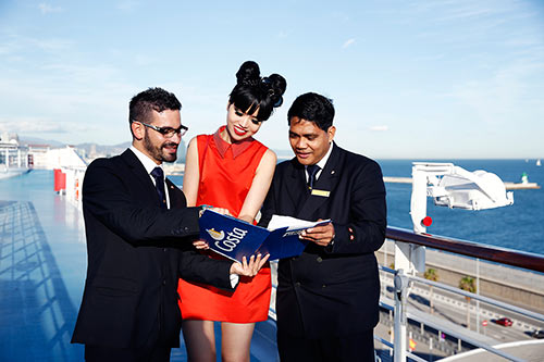 Jessica Minh Anh khoe dáng trên con tàu khổng lồ-3