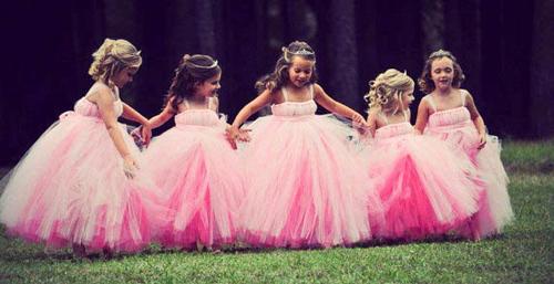 Cận cảnh chiếc váy mọi bà mẹ có con gái đều 'mê mẩn'-2
