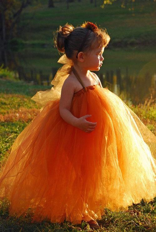 Cận cảnh chiếc váy mọi bà mẹ có con gái đều 'mê mẩn'-6