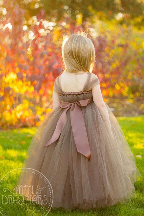 Cận cảnh chiếc váy mọi bà mẹ có con gái đều 'mê mẩn'-5