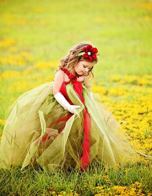 Cận cảnh chiếc váy mọi bà mẹ có con gái đều 'mê mẩn'-4