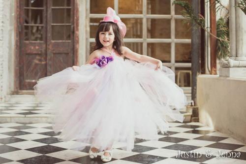 Cận cảnh chiếc váy mọi bà mẹ có con gái đều 'mê mẩn'-1