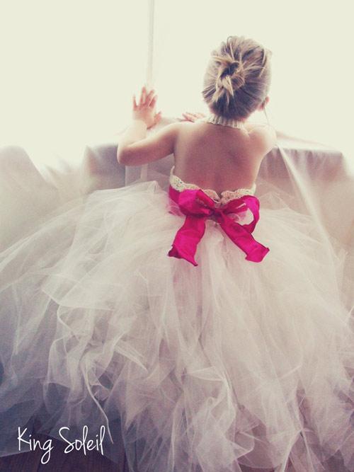 Cận cảnh chiếc váy mọi bà mẹ có con gái đều 'mê mẩn'-3
