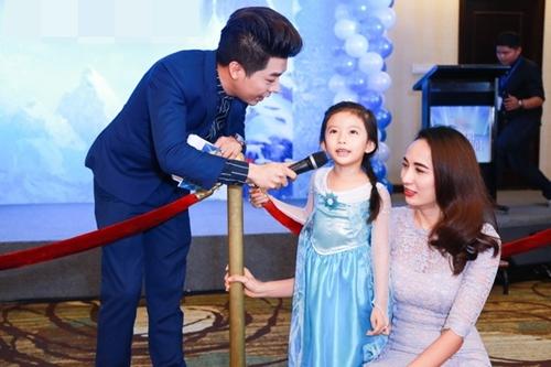 HH Ngọc Diễm lần đầu đưa con gái đi sự kiện-3