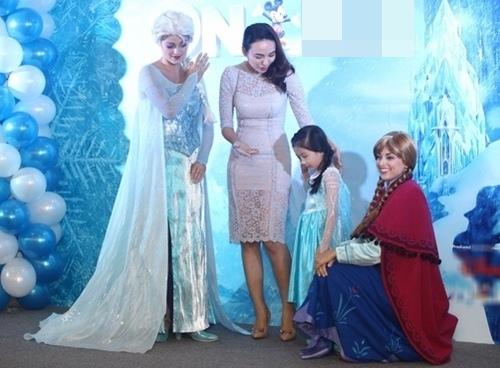 HH Ngọc Diễm lần đầu đưa con gái đi sự kiện-7