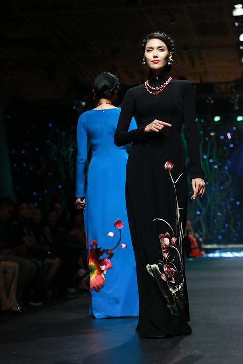 lan khue, pham huong xung xinh ao dai da sac - 4