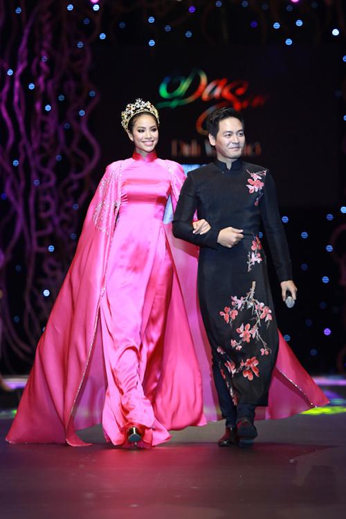 lan khue, pham huong xung xinh ao dai da sac - 9