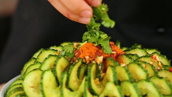 salad dua chuot vua ngon lai dep mat nhin la me - 7