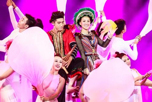 """the remix 2016: huong tram dan dau, noo phuoc thinh """"gay sot"""" - 4"""