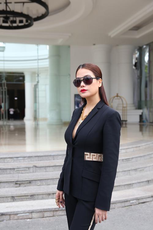 "truong ngoc anh vay ao ""that thuong"" tai project runway 2015 - 2"